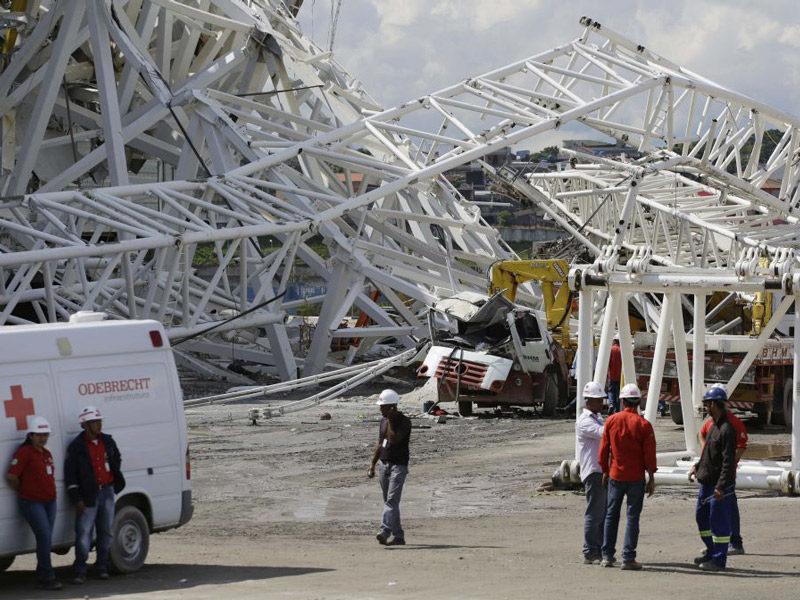 падение крана на бразильском стадионе