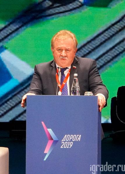 Председатель комитета Государственной думы по транспорту и строительству  Евгений Москвичёв