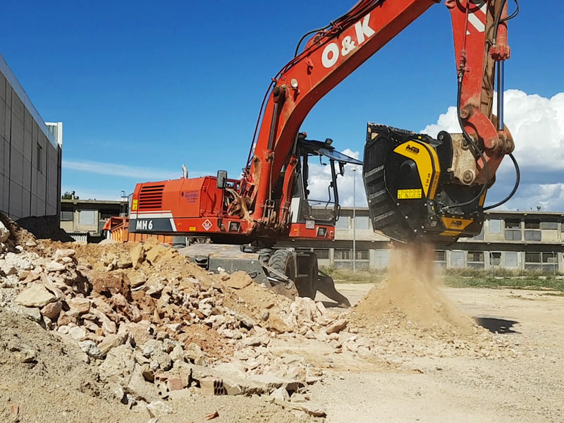 Преимущества оборудования MB Crusher в процессе Green Demolition