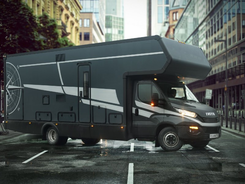 Автодомом на базе шасси Iveco Daily 70C/21