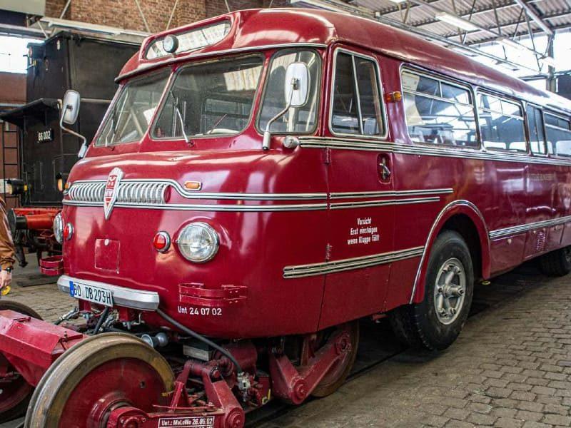 Рельсовый автобус «Ши-стра»