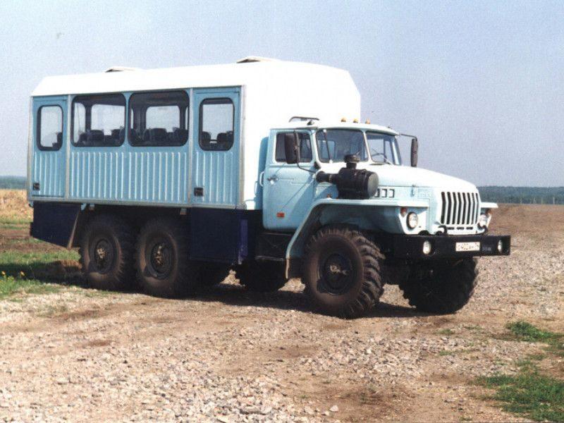 Первый вахтовый автобус «Урал»
