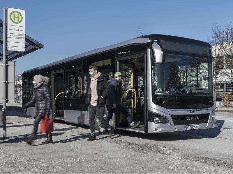 MAN Truck & Bus создали защитные экраны для водителей автобусов