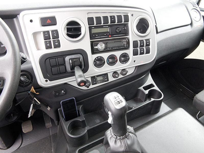 самосвал Ford Trucks 4142D