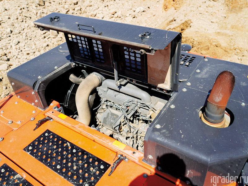Моторный отсек экскаватора Hitachi Zaxis 470LC-5G