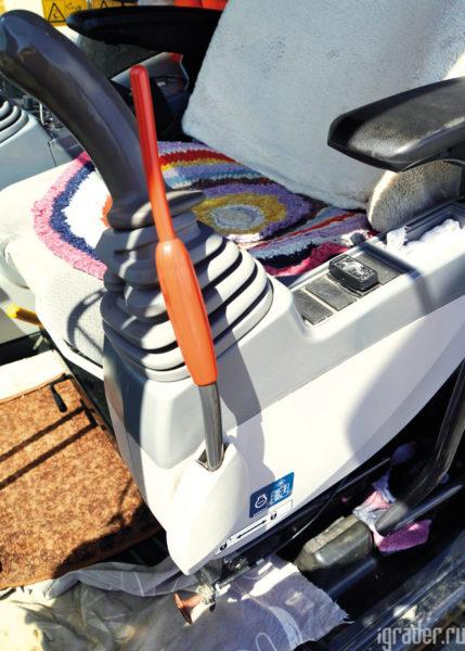 Кресло экскаватора Hitachi Zaxis 470LC-5G