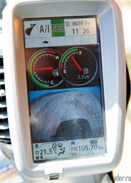 Монитор в кабине экскаватора Hitachi Zaxis 470LC-5G