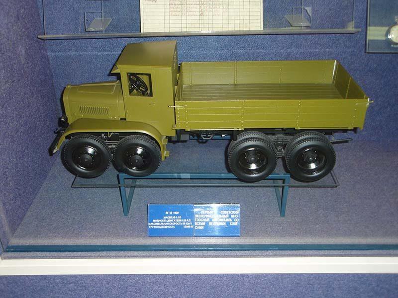 Яг-12: первый советский грузовик с четырьмя осями