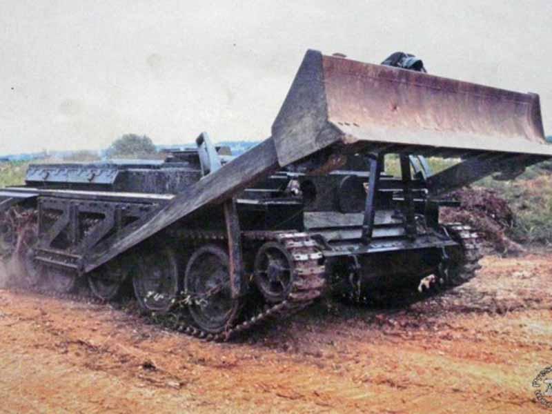 """Как из танка сделали штурмовой бульдозер """"Кентавр"""""""