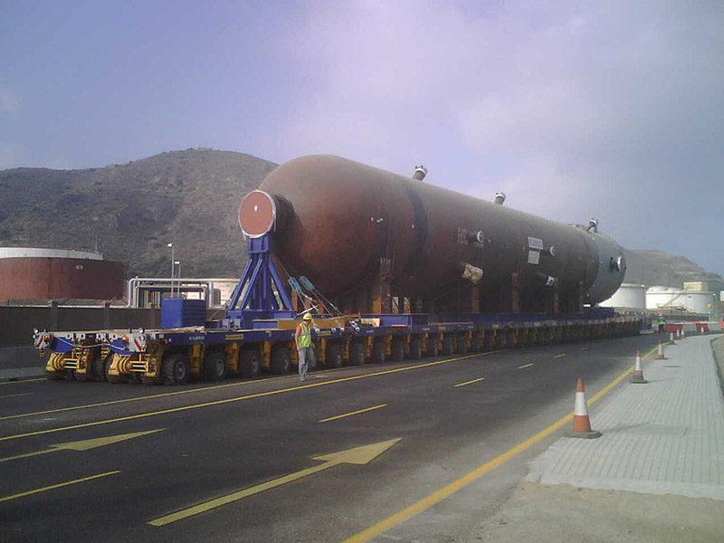 SPMT Mammoet: транспортёр, который вывозит очень тяжёлые штуки, может даже жизнь в России