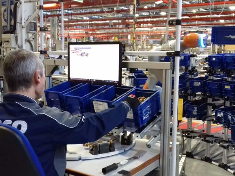 Завод FPT Industrial внедряет робототехнику