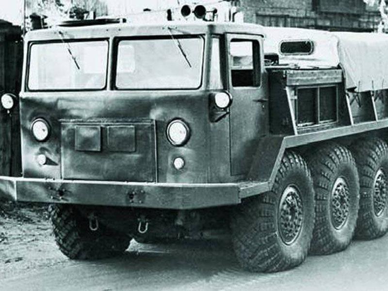 ЗИЛ-134: артиллерийский тягач из СССР