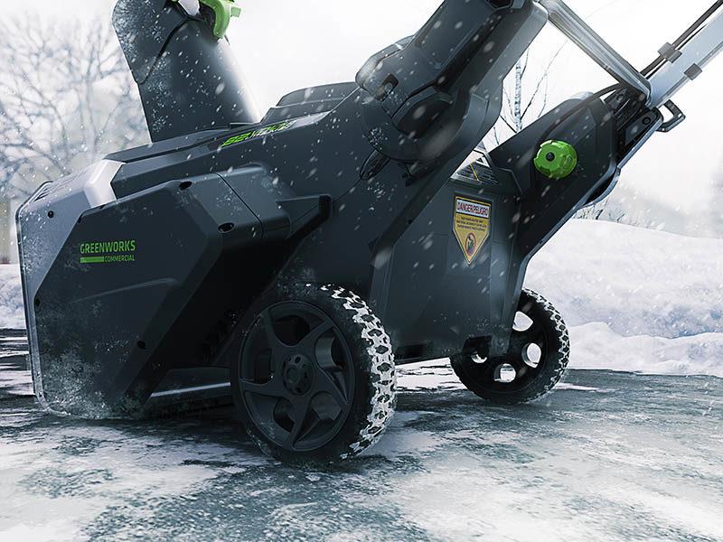Greenworks выпустила новый аккумуляторный сенегоуборщик