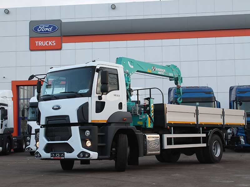 Ford Trucks 1833 DC с КМУ и бортовой платформой передали подмосковной компании