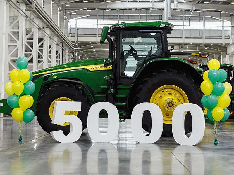 Завод John Deere в Оренбурге выпустил 5000-ю единицу техники