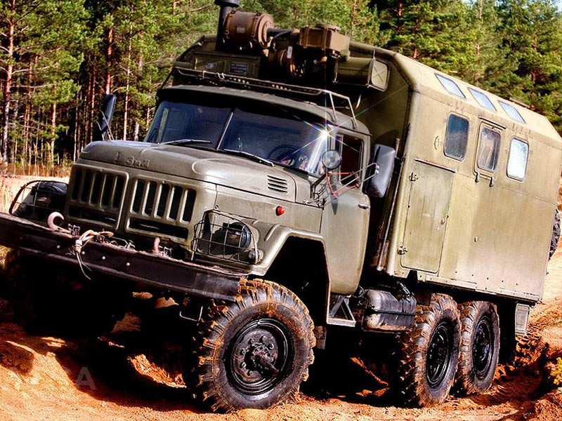 Армейский ЗИЛ-131 с кузовом типа КУНГ