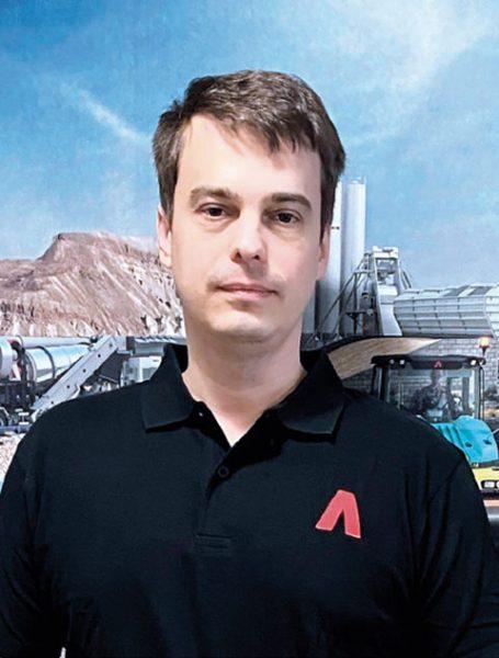 Сергей Серебряков, менеджер по продажам дорожных машин ООО «Амманн Руссланд»