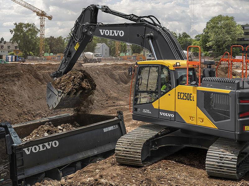 Volvo представил линейку гибридных экскаваторов