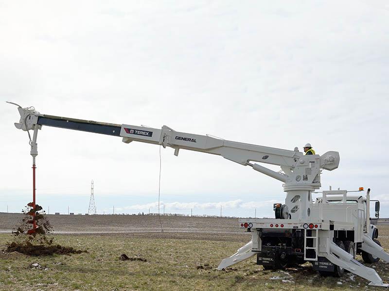 Terex Utilities представил новое поколение конструкции Digger Derrick