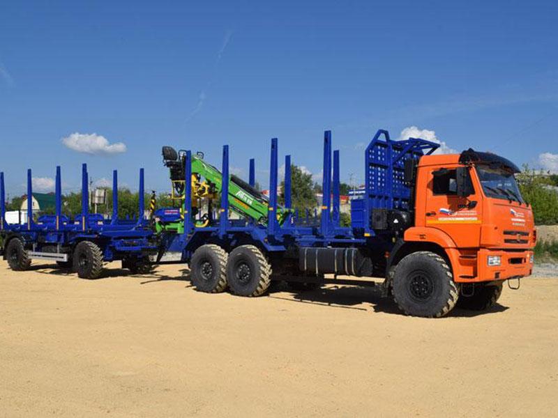 На УЗСТ представили сортиментовоз длиной 15 метров