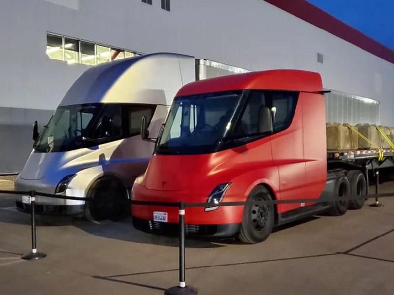 Tesla откладывает программу создания полуэлектрических грузовиков из-за дефицита аккумуляторов