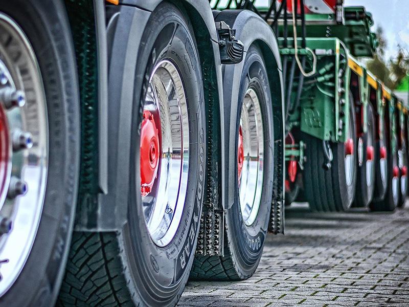 Автономные грузовики на 15% сократят стоимость перевозок между Москвой и Петербургом
